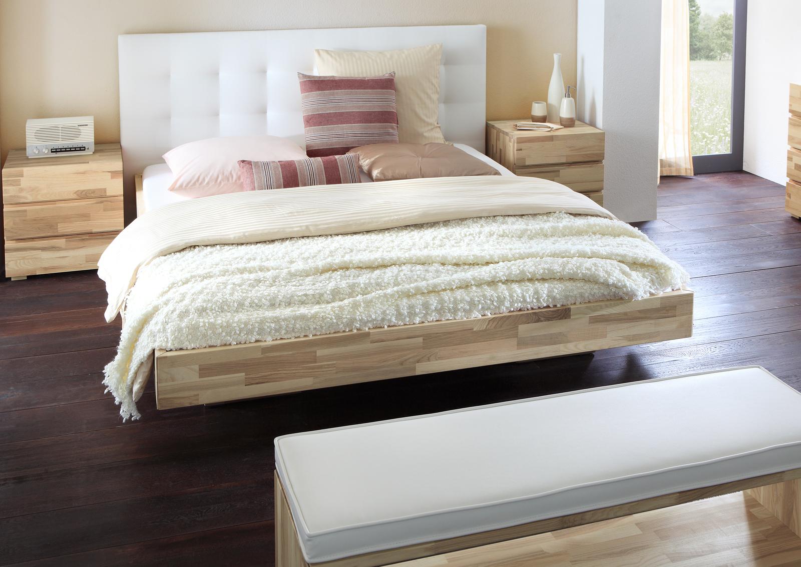 schwebendes bett aus eschenholz mit kopfteil bett portland. Black Bedroom Furniture Sets. Home Design Ideas