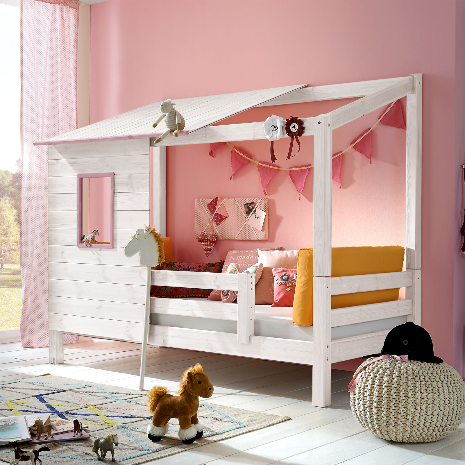 abenteuerbett aus massivholz f r m dchen kids paradise. Black Bedroom Furniture Sets. Home Design Ideas