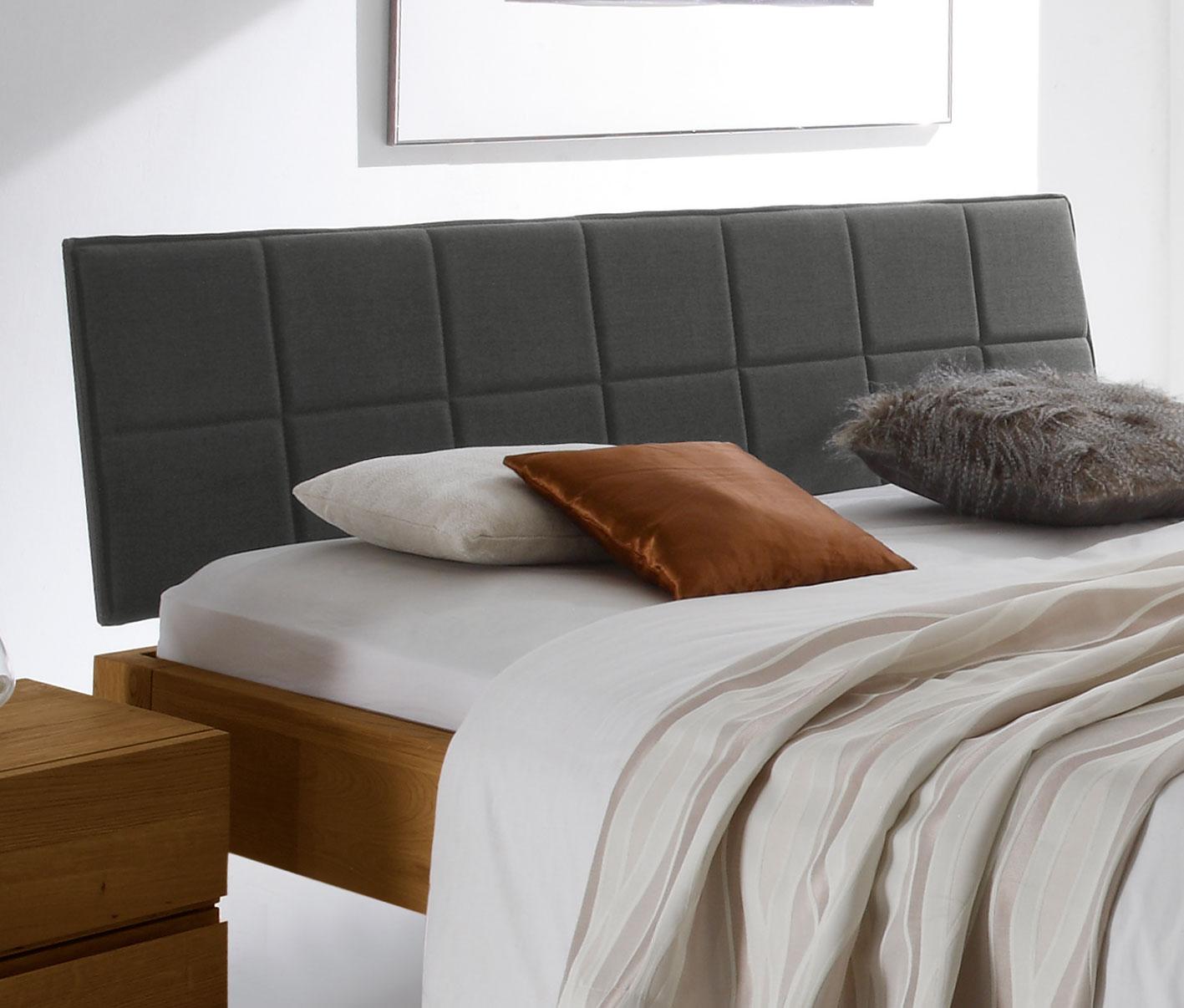 schwebebett aus massivholz eiche mit polsterkopfteil belbari. Black Bedroom Furniture Sets. Home Design Ideas