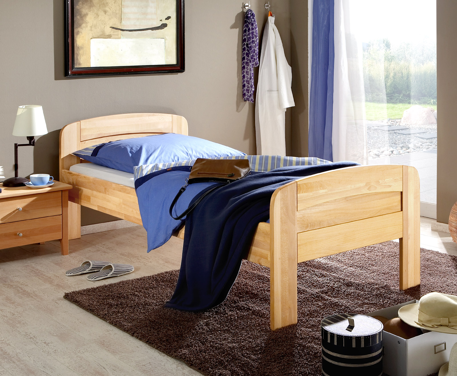 seniorenbett in komforth he aus massiver buche. Black Bedroom Furniture Sets. Home Design Ideas