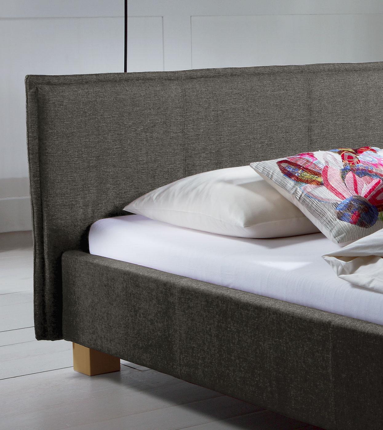 Polsterbett in 200x200 cm Liegehöhe - Bett Medina