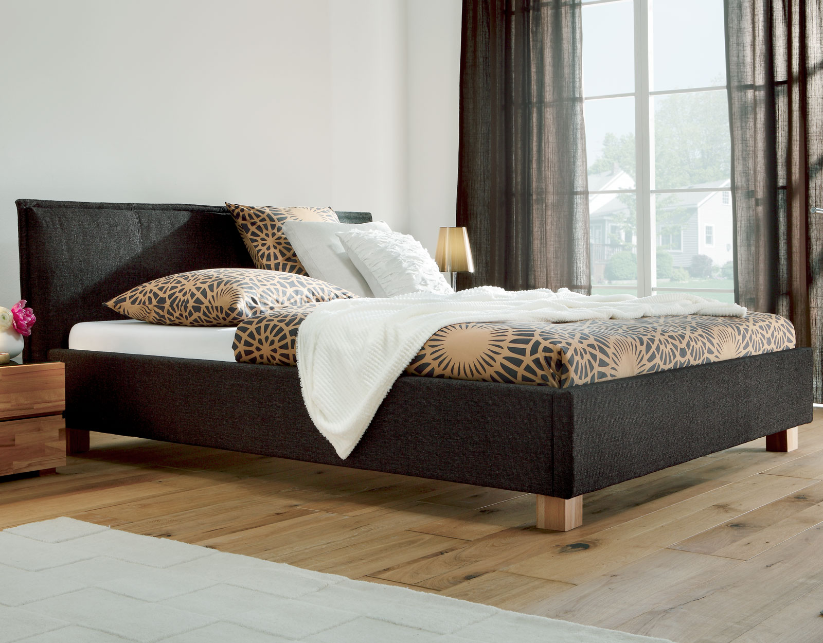 spannende bett modern design fotos erindzain. Black Bedroom Furniture Sets. Home Design Ideas