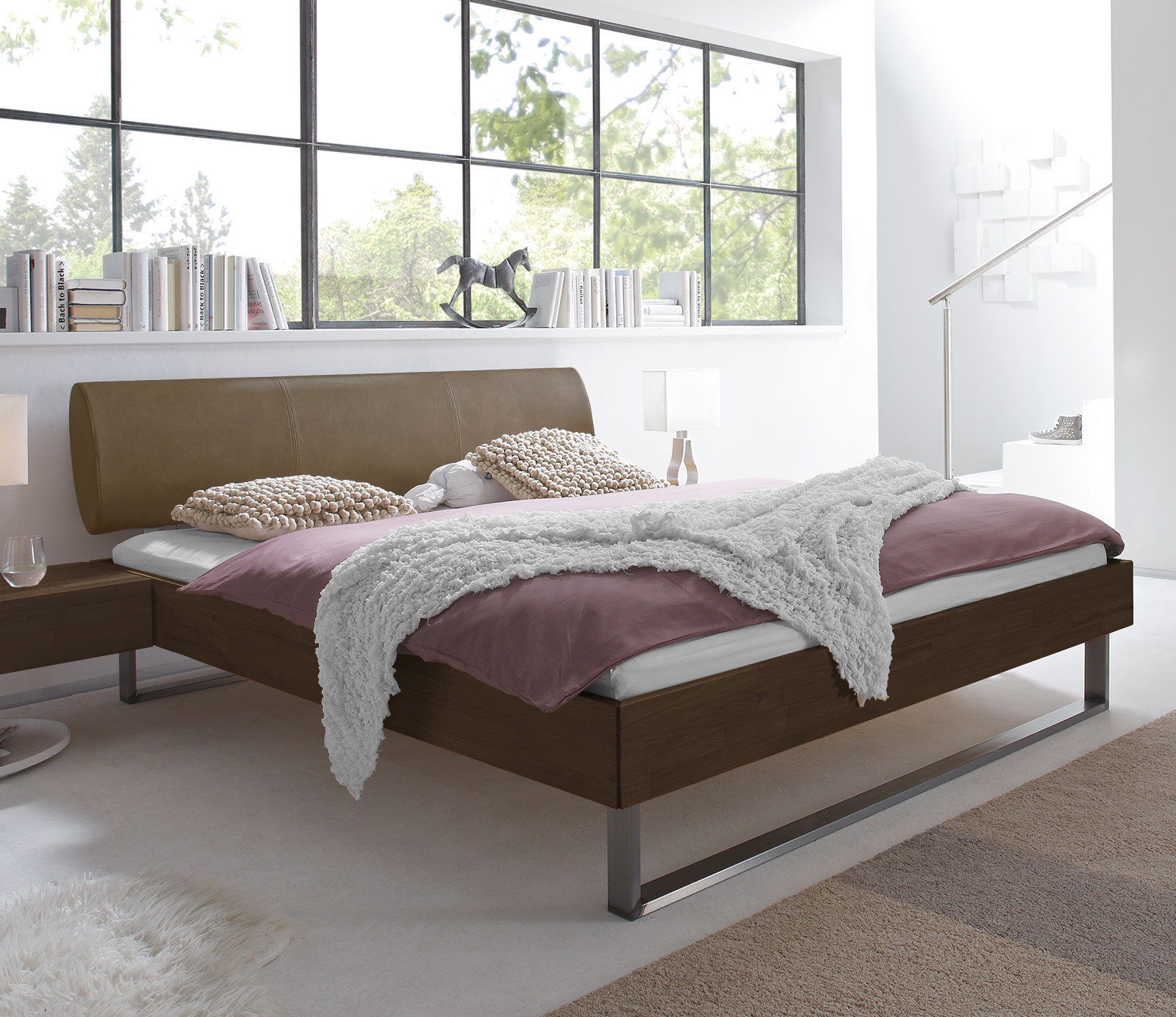 bett aus buche 160x200 mit kunstleder kopfteil tema. Black Bedroom Furniture Sets. Home Design Ideas