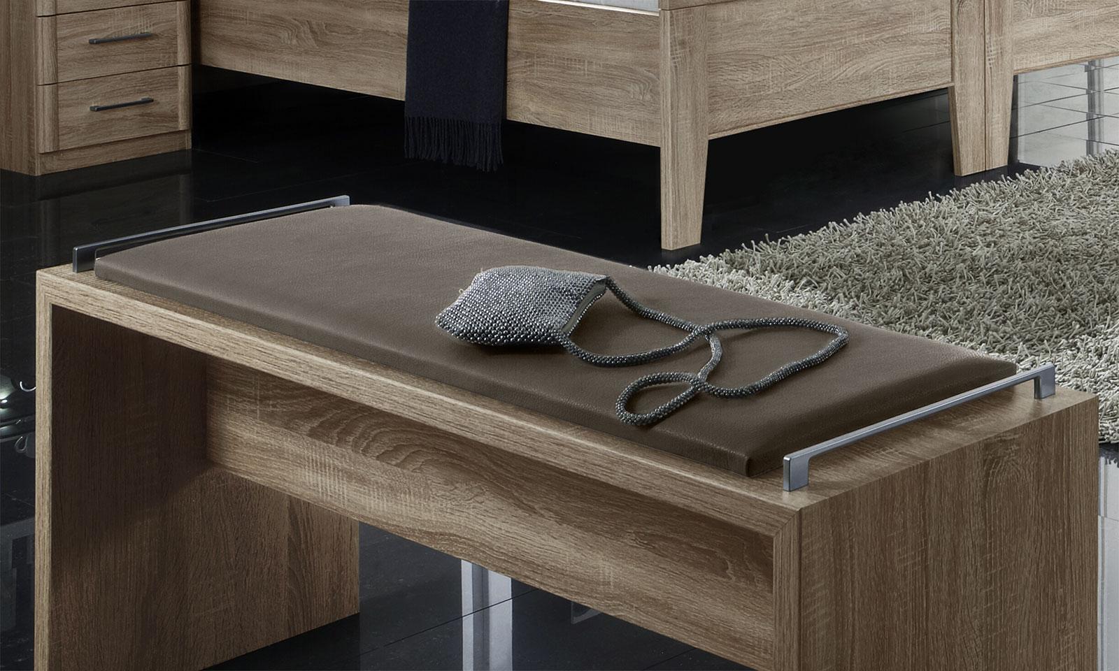 bettbank in eiche dekor mit kunstleder sitzpolster runcorn. Black Bedroom Furniture Sets. Home Design Ideas