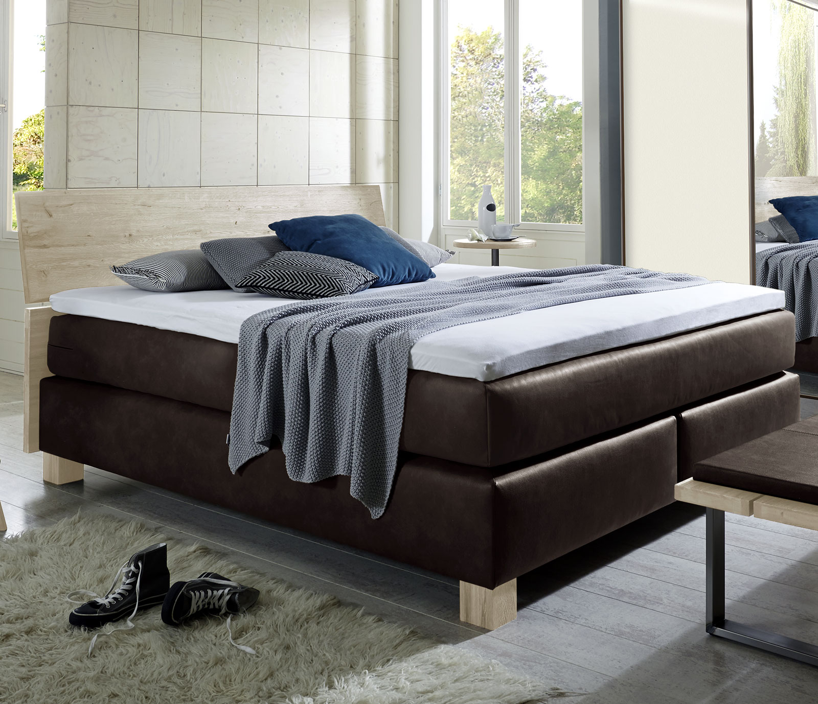 boxspring doppelbett mit geneigtem kopfteil aus holz avila. Black Bedroom Furniture Sets. Home Design Ideas