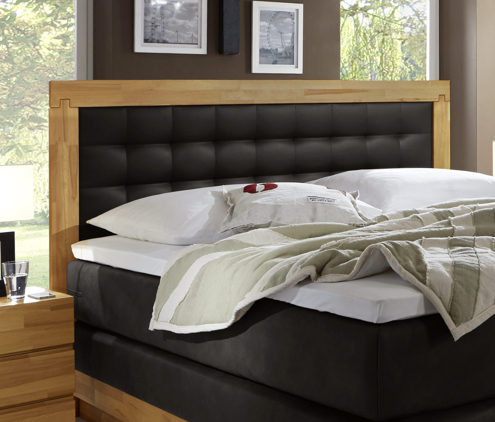 boxspringbett aus kernbuche mit luxus kunstleder olbiano. Black Bedroom Furniture Sets. Home Design Ideas