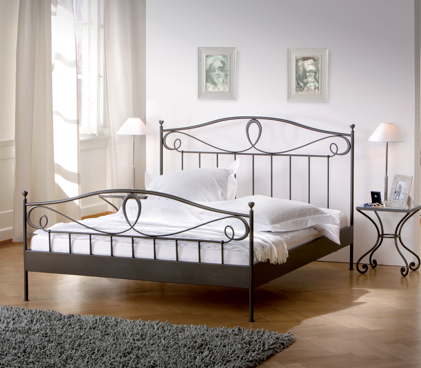 mediterranes metallbett in anthrazit oder wei piemonte. Black Bedroom Furniture Sets. Home Design Ideas