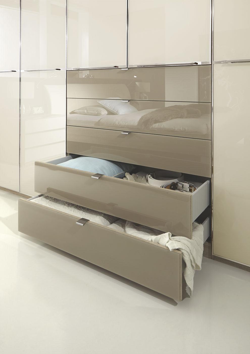 moderner dreht renschrank in eiche s gerau dekor mit glas. Black Bedroom Furniture Sets. Home Design Ideas