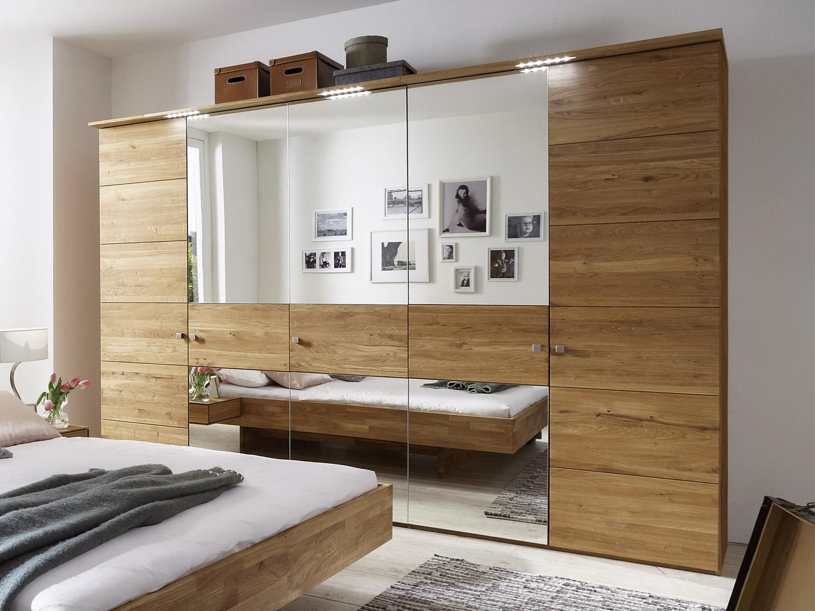 1000 ideas about kleiderschrank massivholz on pinterest bett massivholz holzbett massiv and. Black Bedroom Furniture Sets. Home Design Ideas
