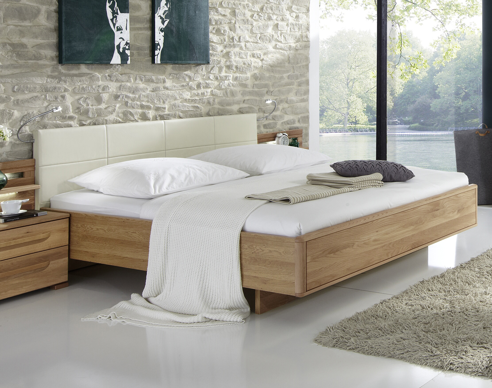 design doppelbett aus eiche mit kunstleder kopfteil morley. Black Bedroom Furniture Sets. Home Design Ideas