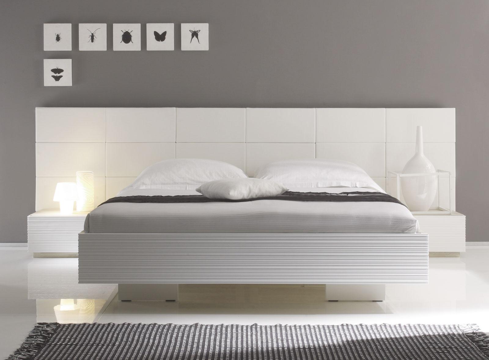 akazienbett inklusive wandpaneel mit kunstlederbezug in weiß - Schlafzimmer Bett Weis
