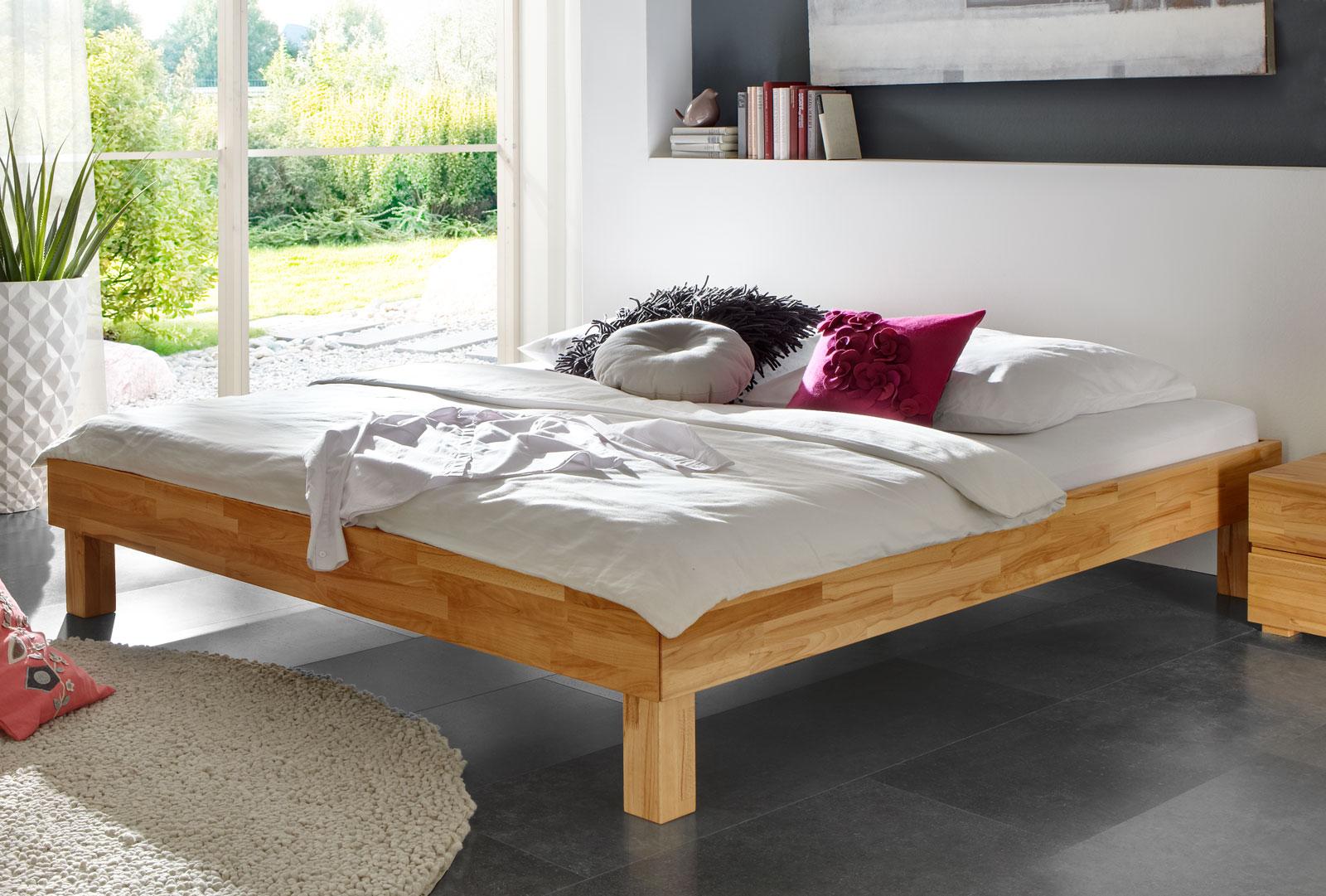 elegant geschnittene massivholzliege madrid. Black Bedroom Furniture Sets. Home Design Ideas