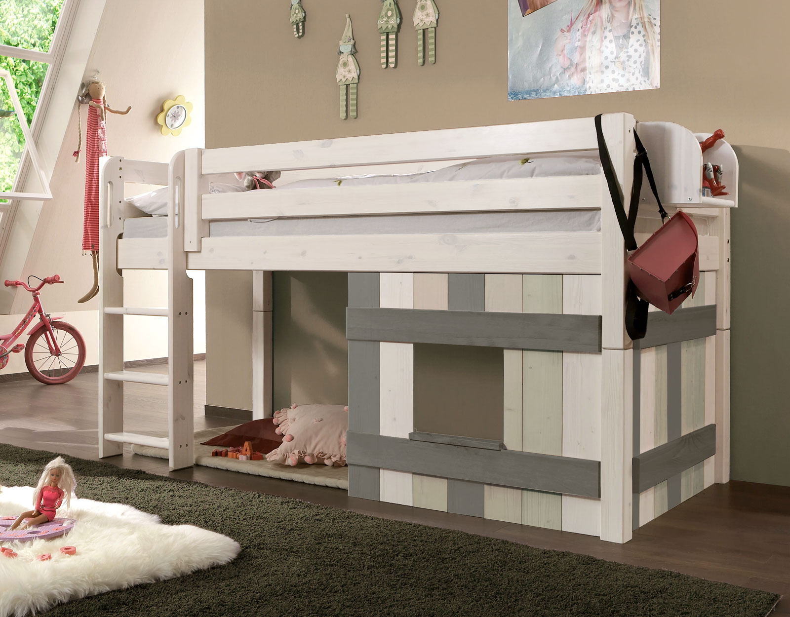 ein wahres kinderparadies aus stabilem kiefer massivholz in wei. Black Bedroom Furniture Sets. Home Design Ideas