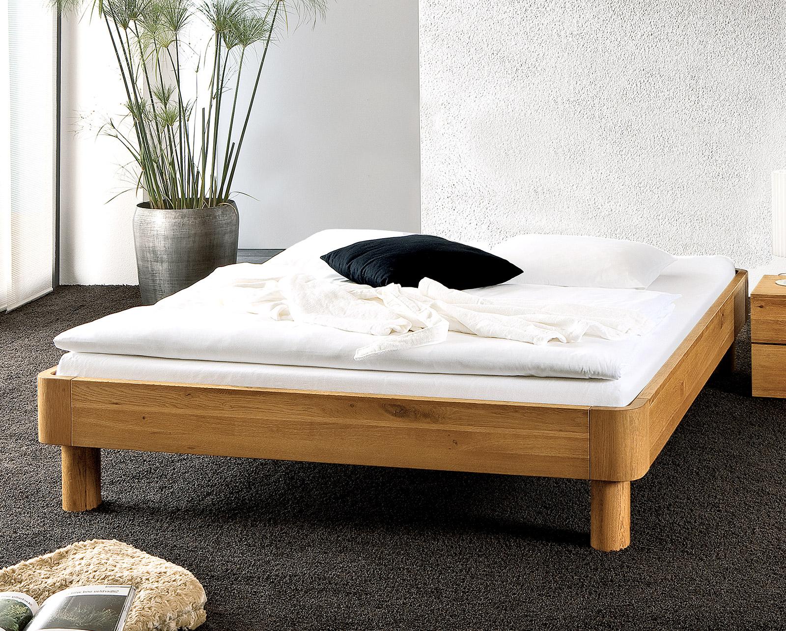Grau weiss wohnzimmerwand for Bett 180x220 komplett
