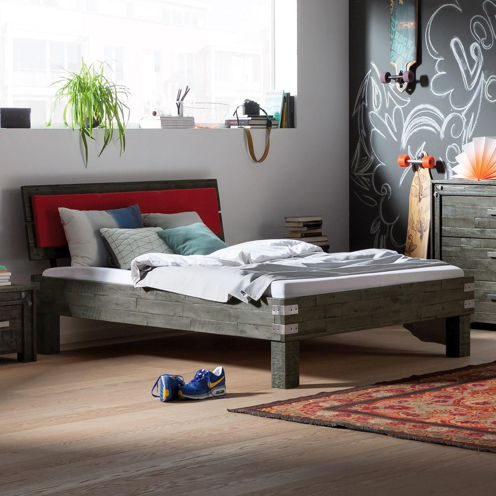 Jugendbett design  Jugendbett aus Akazie im Industrial Style - Felipe