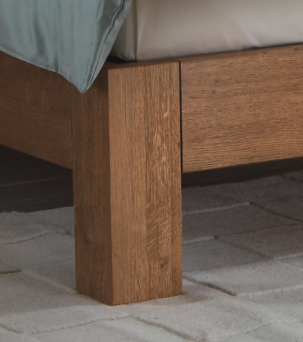 Boxspringbett Holz Eiche ~ Stabile Winkelfüße tragen den Bettrahmen inklusive Boxspringsystem