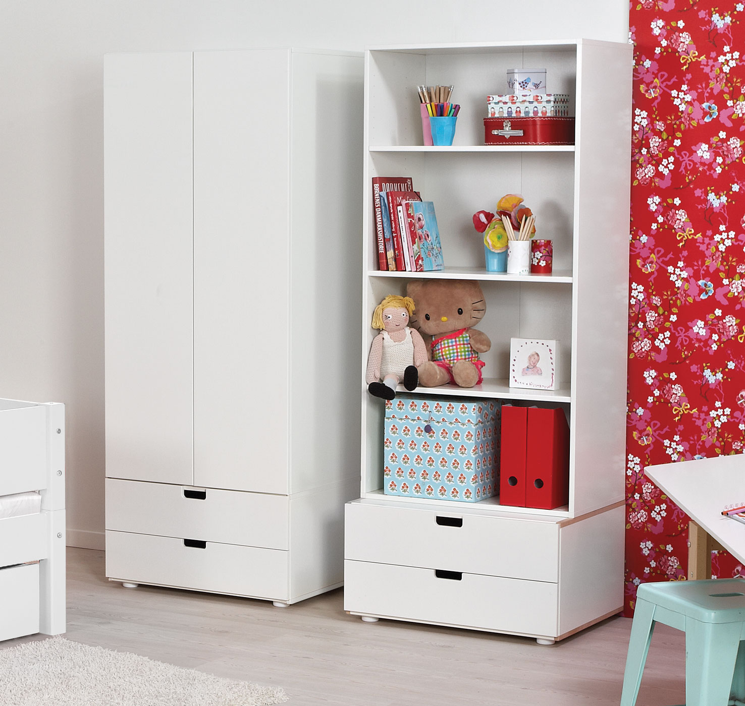 kinder kleiderschrank wahlweise mit 2 schubladen kids town. Black Bedroom Furniture Sets. Home Design Ideas