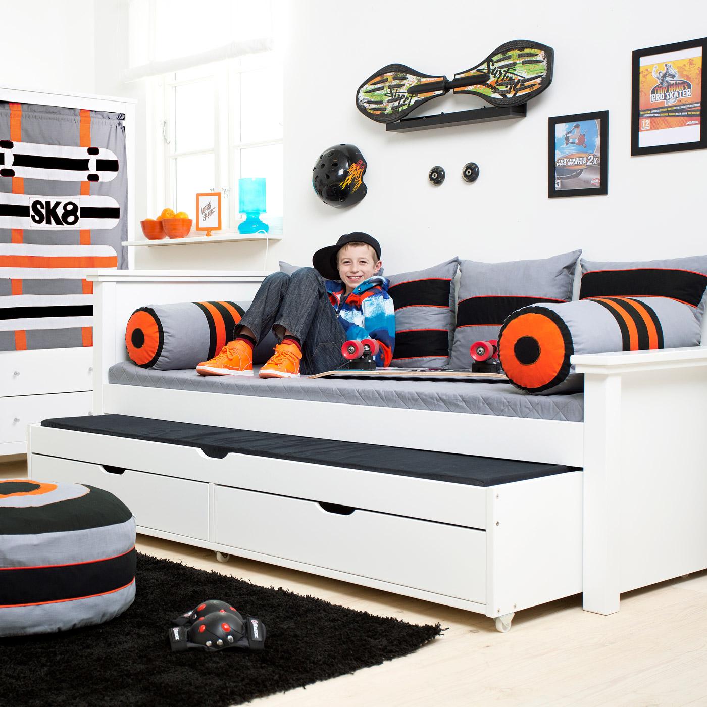 kojenbett mit g stebett schubladen aus kiefer skater. Black Bedroom Furniture Sets. Home Design Ideas