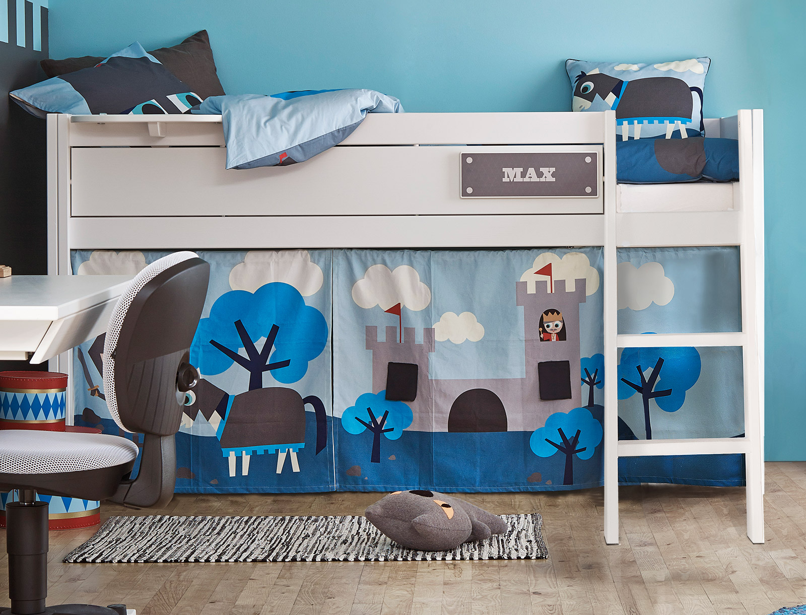 kinderzimmer mit schr gen w nden die neuesten. Black Bedroom Furniture Sets. Home Design Ideas
