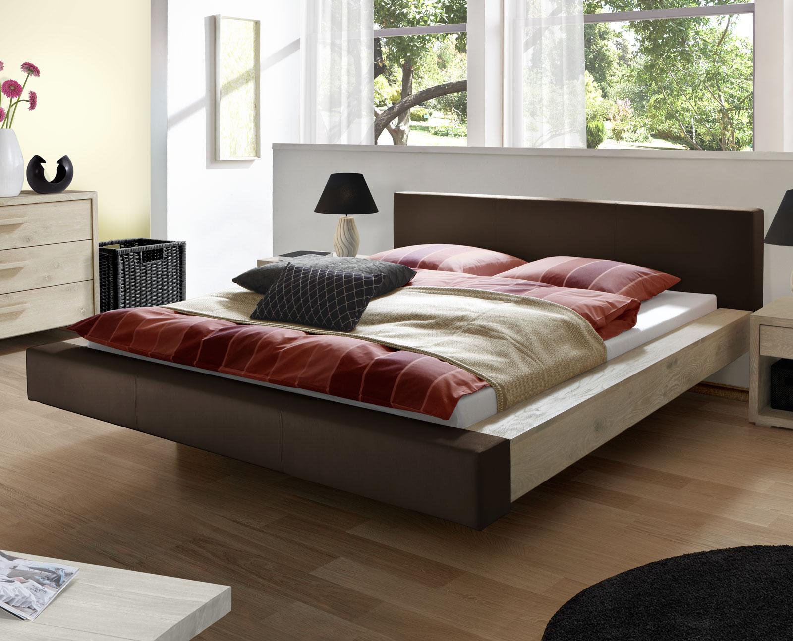 Bett schwebend mit Echtleder und Massivholz - Vilar