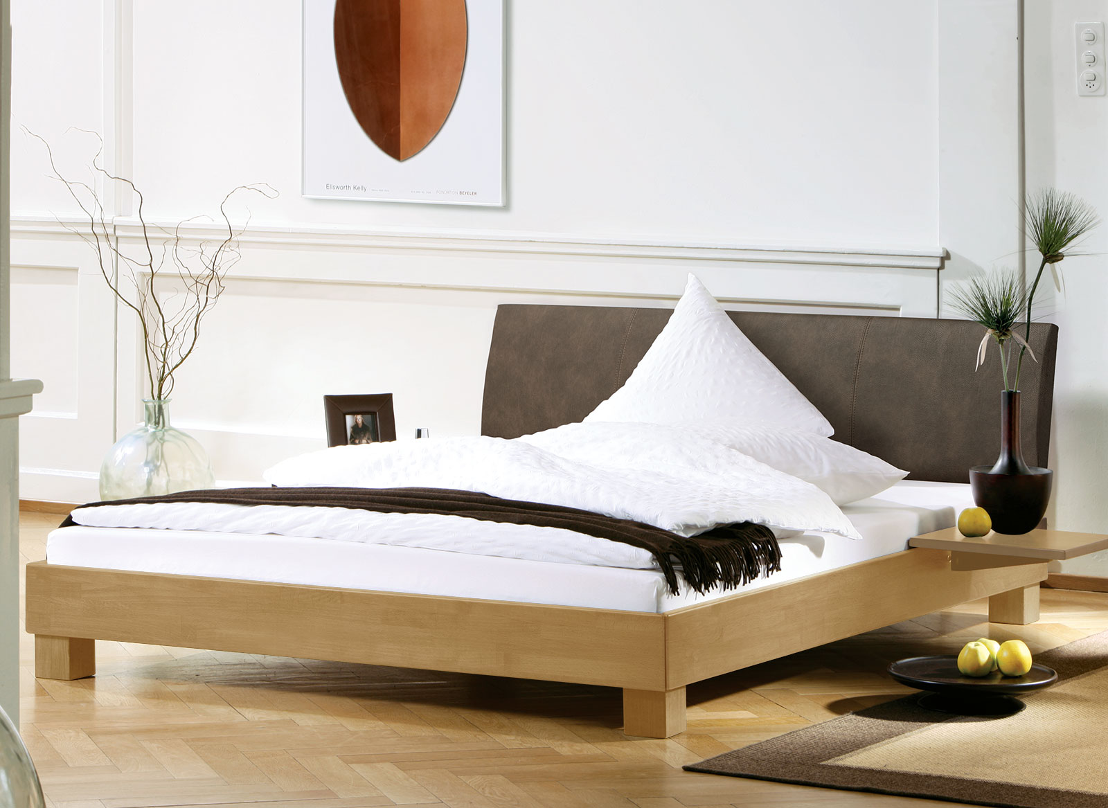 schlafzimmer bett deko inspiration f r die gestaltung der besten r ume. Black Bedroom Furniture Sets. Home Design Ideas