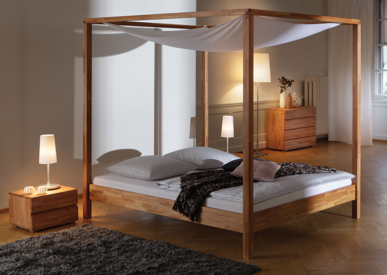 sch nes himmelbett aus buche in 160x200 cm bett merida. Black Bedroom Furniture Sets. Home Design Ideas