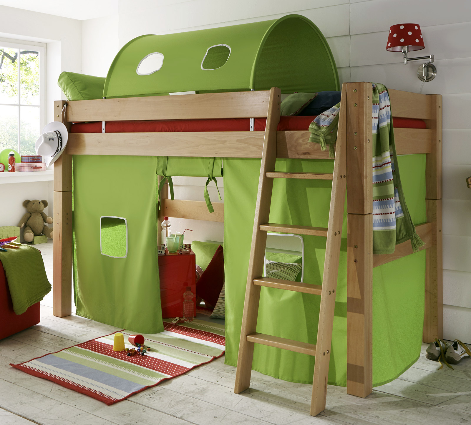 Tolles kinderhochbett mit leiter kids fantasy for Niedriges hochbett