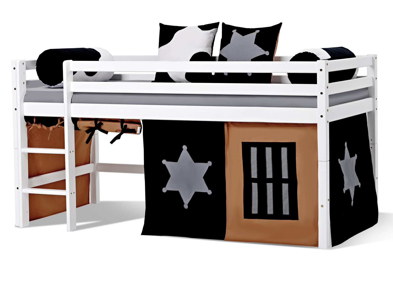 niedriges wei es hochbett aus kiefer mit turm cowboy. Black Bedroom Furniture Sets. Home Design Ideas