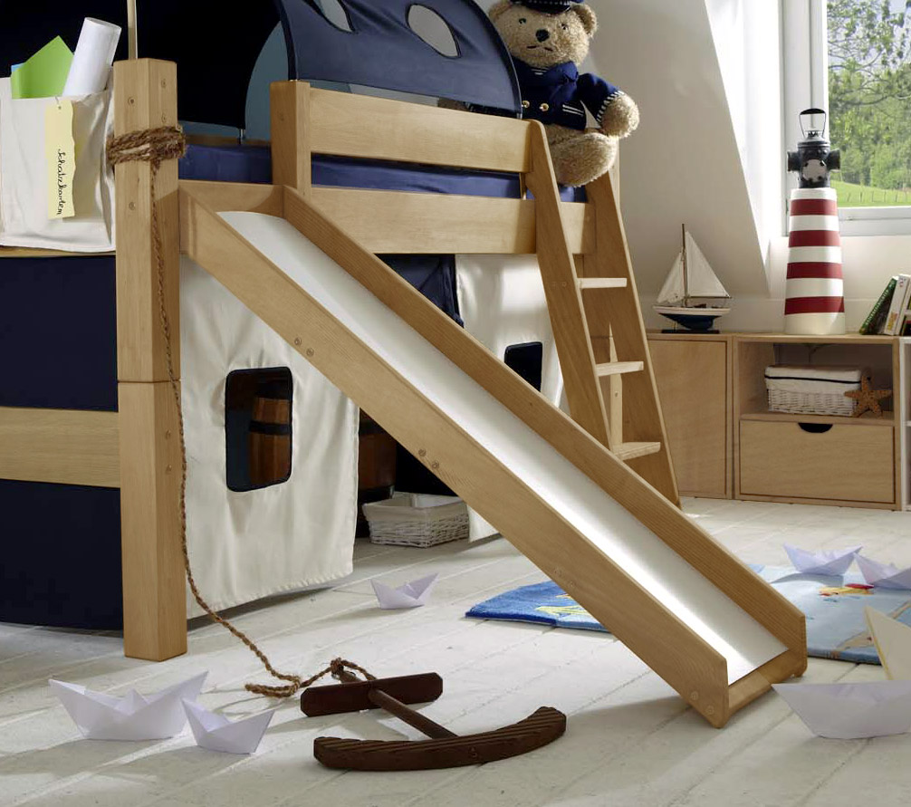 kinderbett mit rutsche hochbett spielplatz. Black Bedroom Furniture Sets. Home Design Ideas
