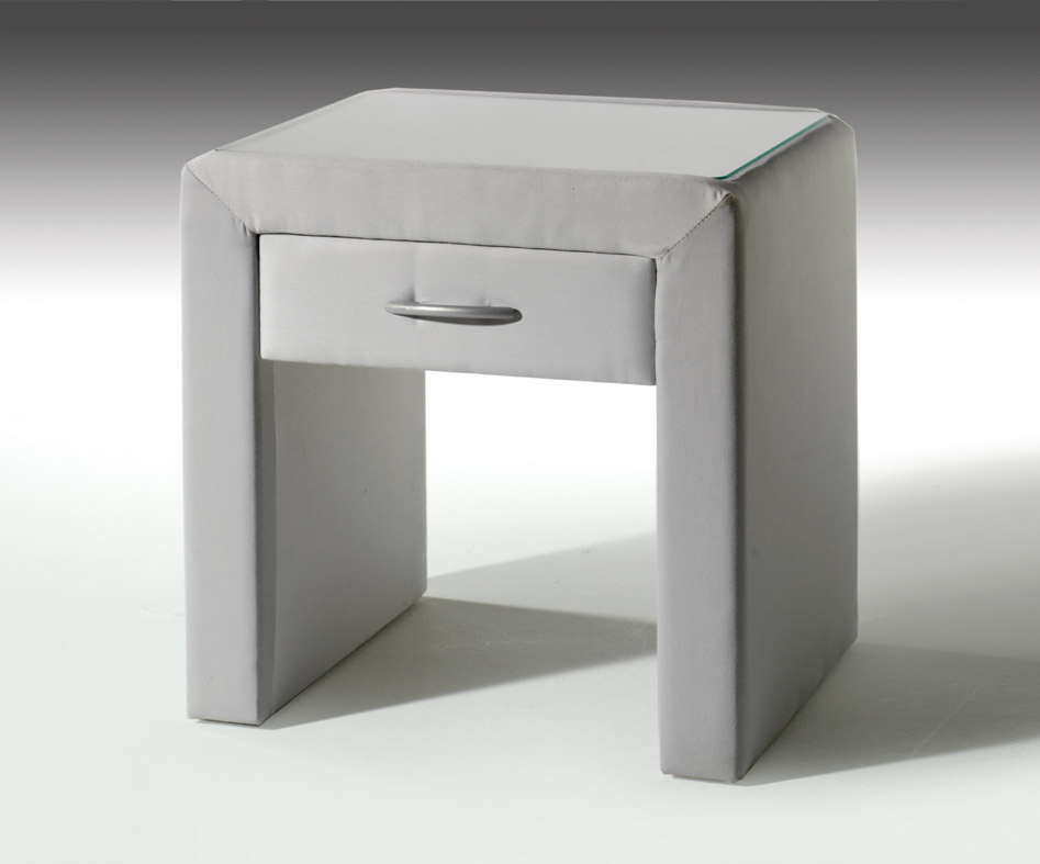 nachttisch in braun aus kunstleder viterbo komfort. Black Bedroom Furniture Sets. Home Design Ideas