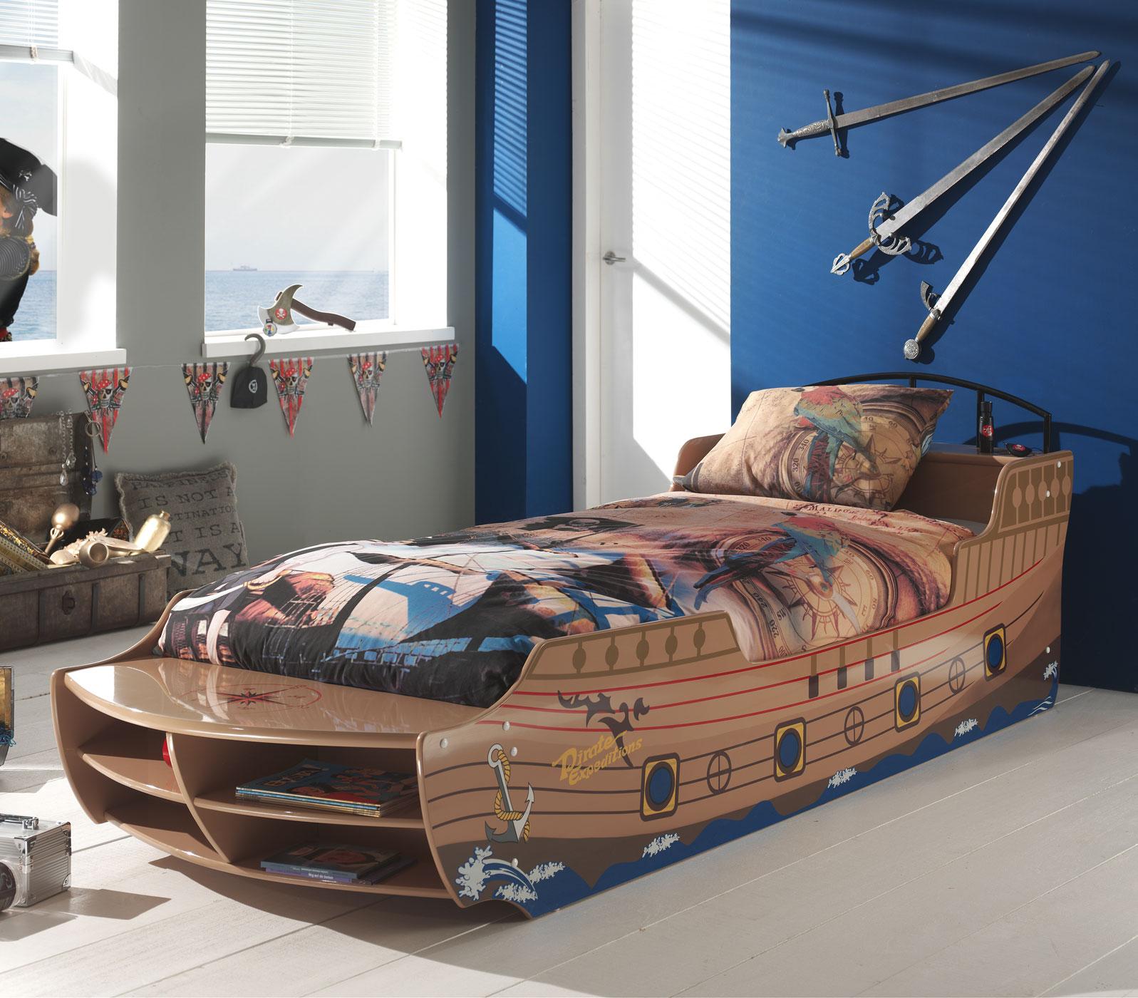 Kinderbett piratenschiff  Piratenschiff als Bett mit Lattenrost für Kinder kaufen - Enter