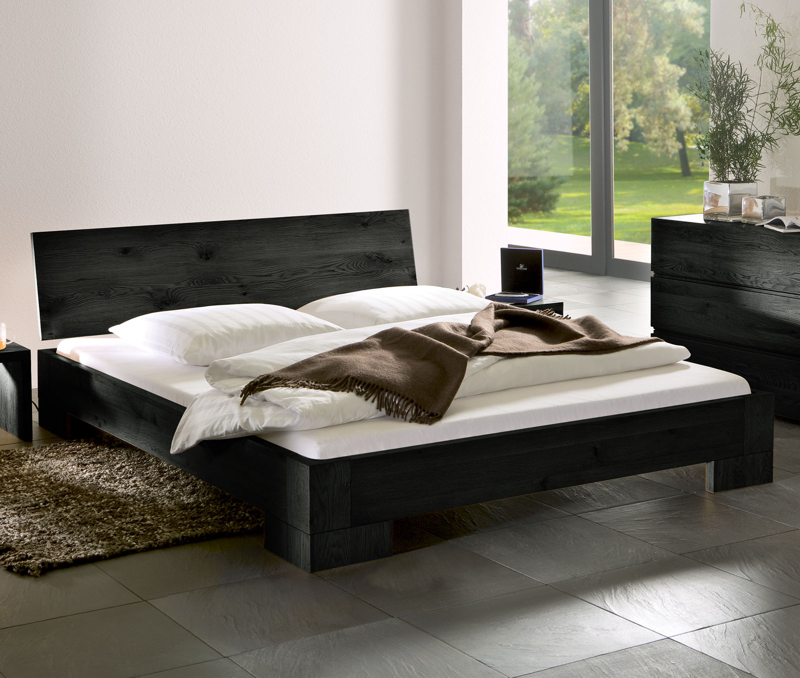 stabiles eichenbett aus salvador in 200x200cm. Black Bedroom Furniture Sets. Home Design Ideas