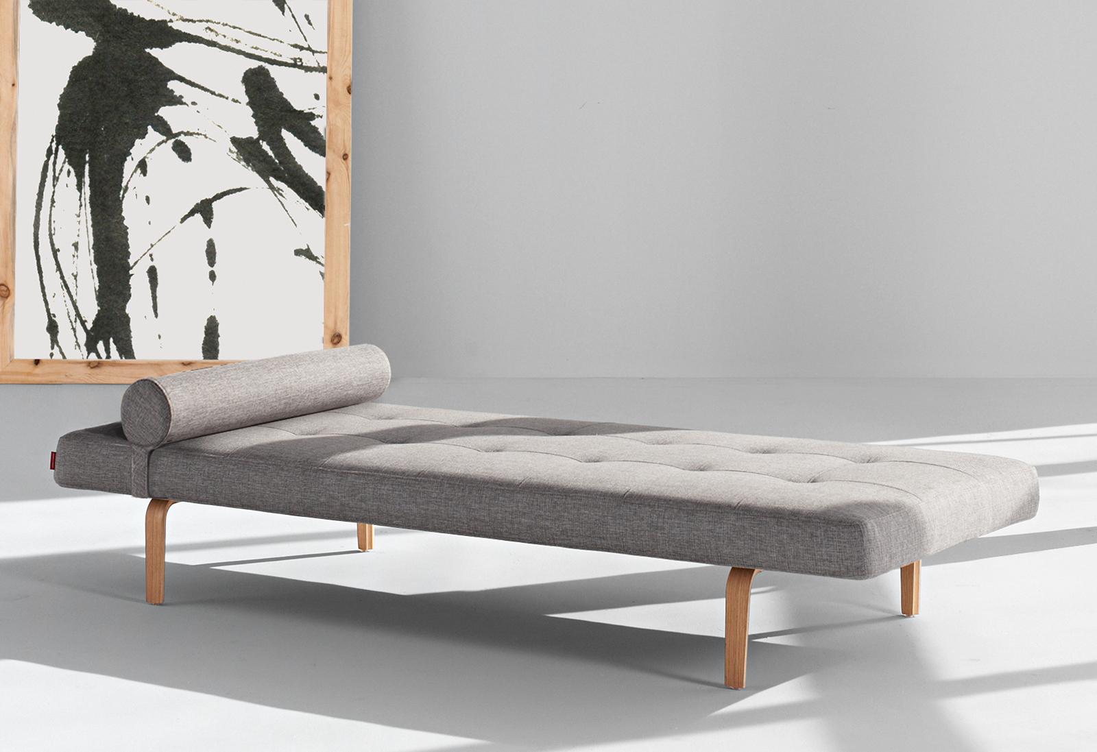 relaxliege mit eichenbeinen und nackenrolle heathfield. Black Bedroom Furniture Sets. Home Design Ideas