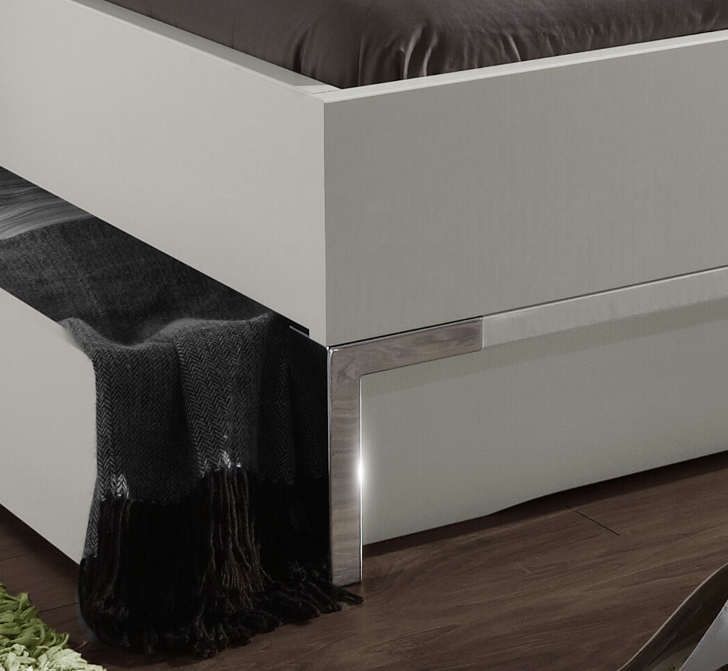 modernes schubkasten doppelbett in weiss salford i. Black Bedroom Furniture Sets. Home Design Ideas