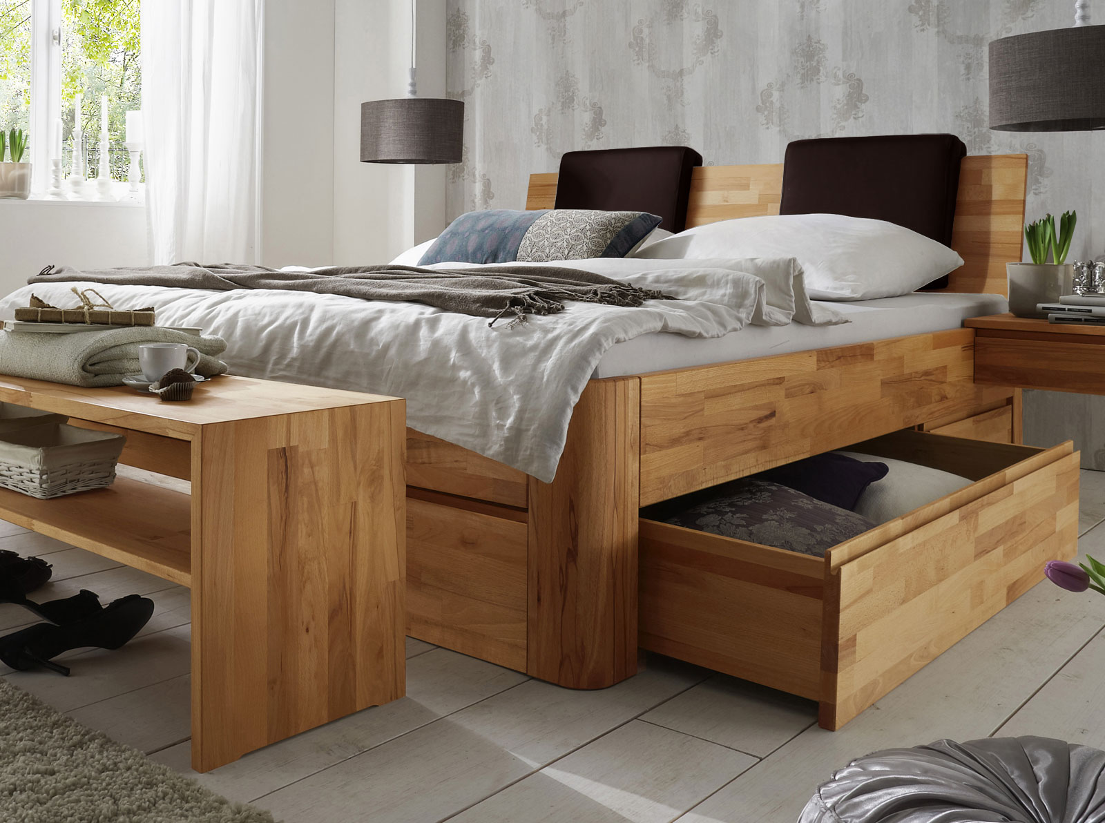 Massivholz doppelbett mit bettkasten zarbo for Modern massiv bauen