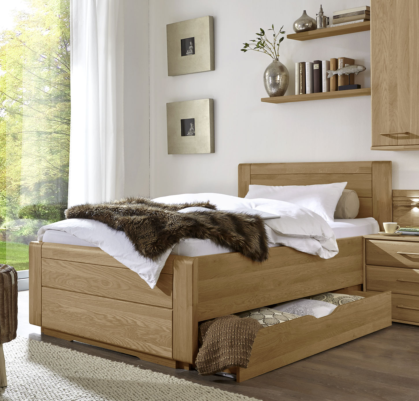 einzelbett landhausstil mit schubladen eiche teilmassiv raida. Black Bedroom Furniture Sets. Home Design Ideas