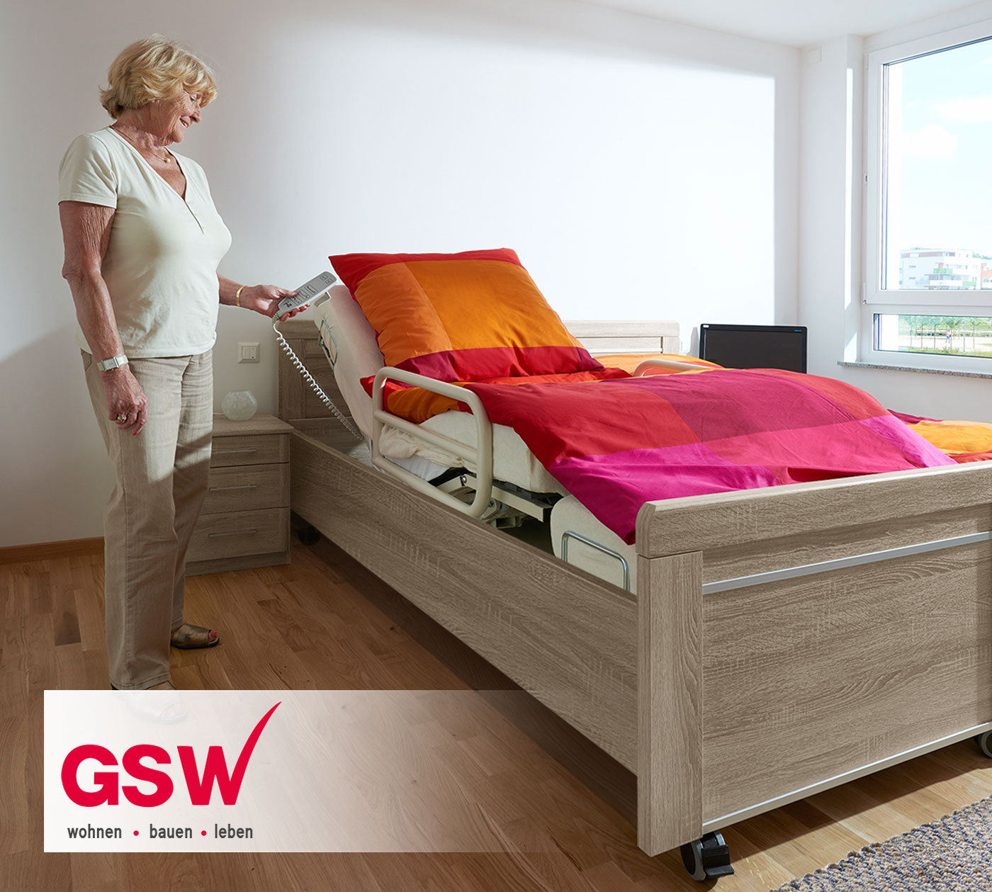 das charmante seniorenbett runcorn in einer musterwohnung der gsw. Black Bedroom Furniture Sets. Home Design Ideas