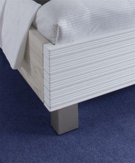 Doppelbett Salou aus Massivholz Fußteil, Front in Weiß