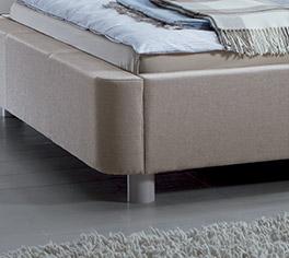 Bett Andorra mit Massivholzfüßen in Buche weiß