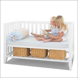 Schlichtes Babybett Kids Heaven mit Umbaumöglichkeit