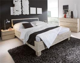 Bett Modena aus massivem Akazienholz