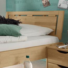 Bett Birmingham mit raffiniertem Holzkopfteil