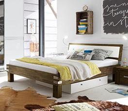 Rustikales Bett Caldera mit lebhafter Maserung