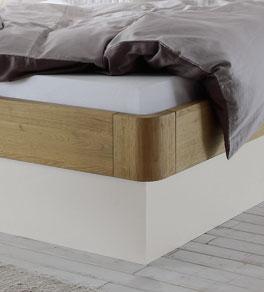 Bett Majuro mit stabilem Rahmen aus Eiche