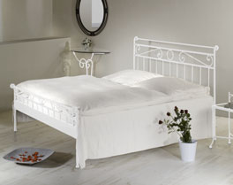 Bett Merlo in der Doppelbettgröße 180x200cm