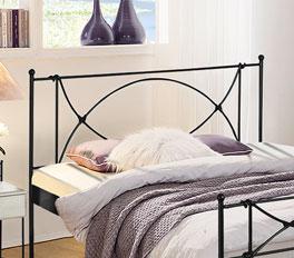 Elegantes Bett Ordino mit hohem Kopfteil