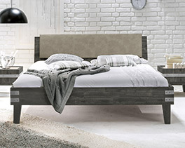 Bett Paraiso aus lackiertem Akazienholz in 160x200 cm