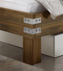 Bett Pica mit stabilen Massivholzfüßen