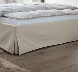 Bett Pilio mit modernem Fußbereich