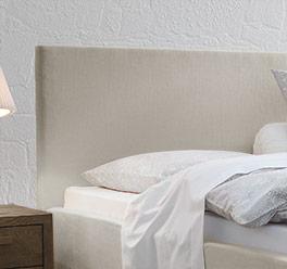 Bett Pilio mit Kopfteil in Komfort-Höhe